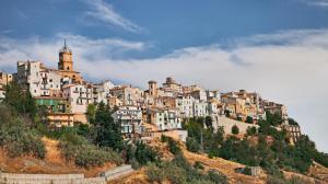 atessa-chieti-abruzzo-italy-old-town-hill-landscape-italian-97764032
